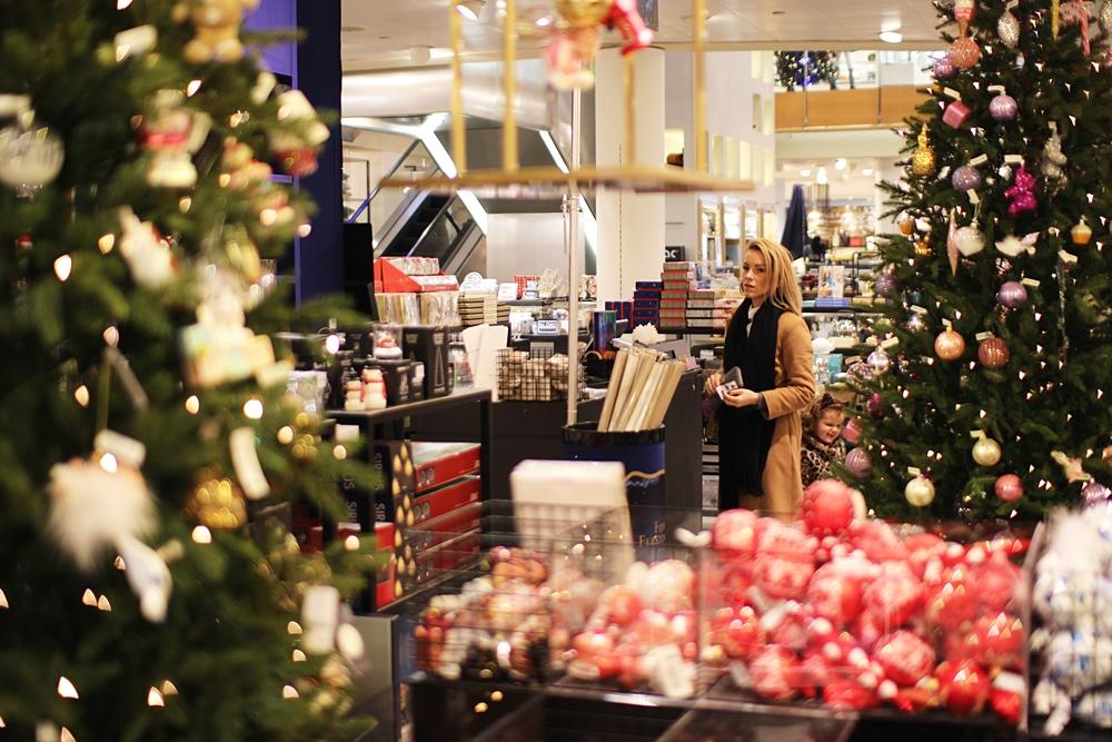 christmas-shopping-bijenkorf-1
