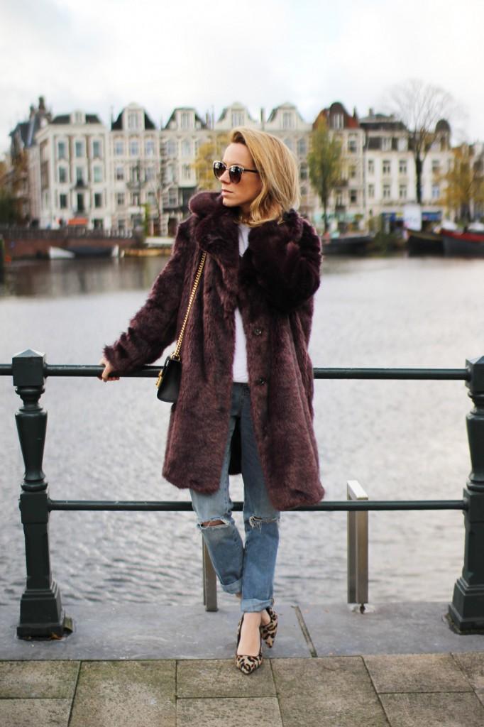 burgundy-faux-fur-sm